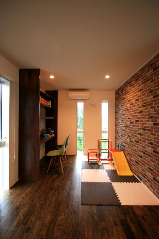 繋がる二世帯住宅   デザイン住宅の株式会社ぶすじま建設 群馬県桐生市